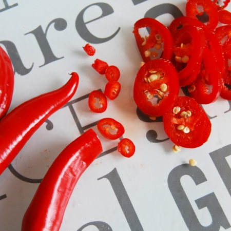 Chopping chillies for powder
