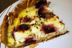 Fig, goat's cheese and thyme tart